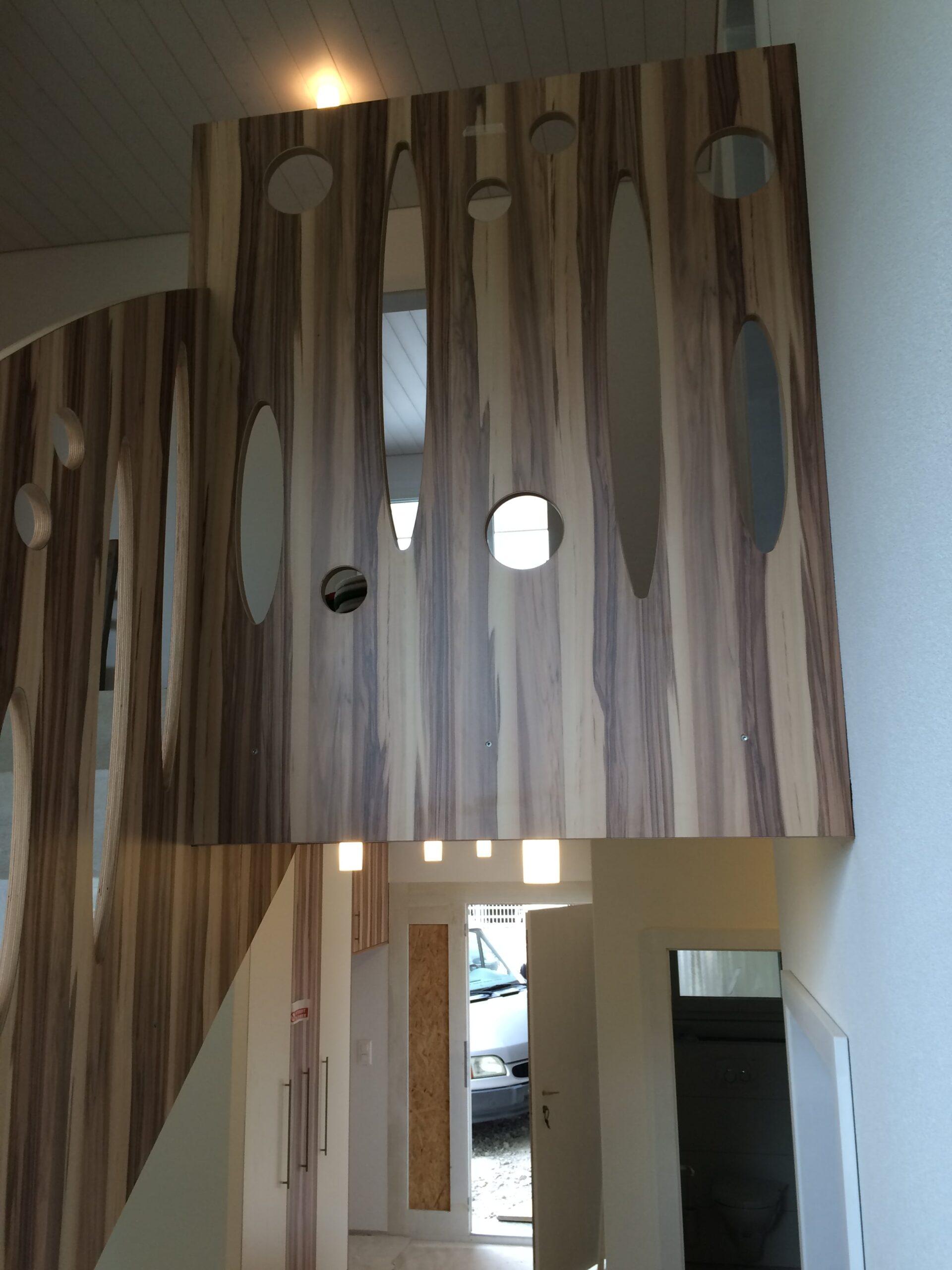 Wooddesign_Treppen_Teppengeländer__Treppenverkleidung_ovale runde Löcher (9)-min