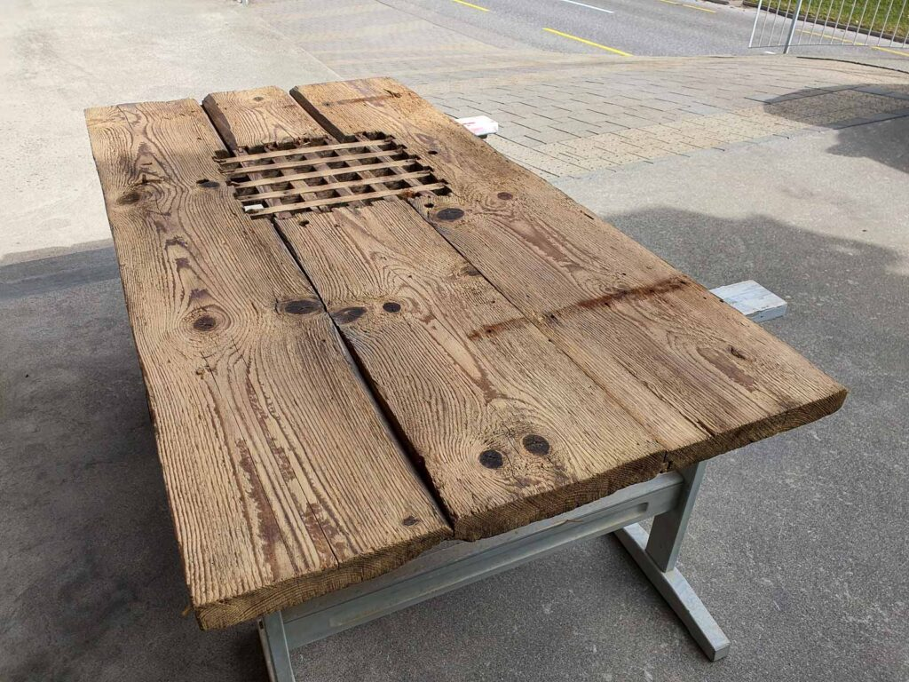 Woodddesign_Holzdesign_Altholz_Garderobe_modern_rustikal_gebürstet_Gästegarderobe (5)