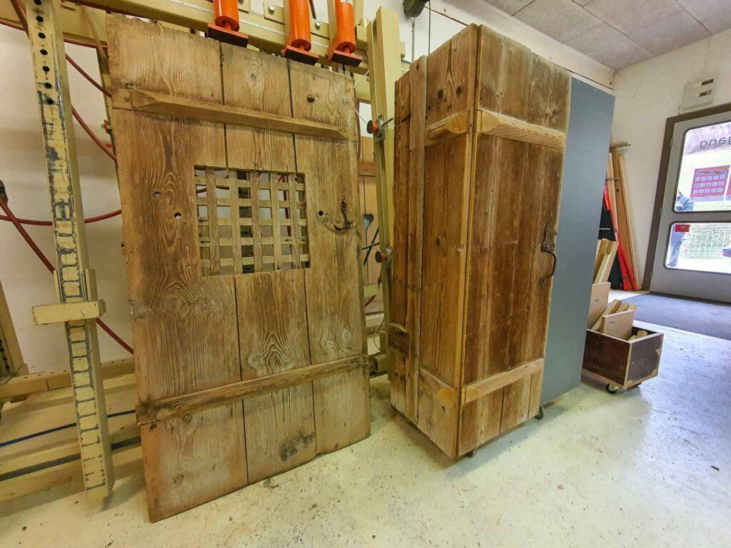 Woodddesign_Holzdesign_Altholz_Garderobe_modern_rustikal_gebürstet_Gästegarderobe (7)