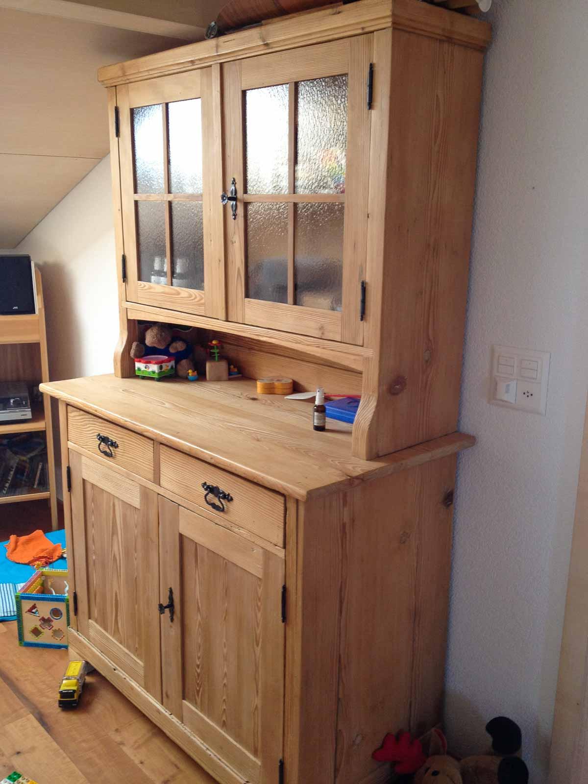 Wooddesign_Holzdesign_Altholz_Bauernschrank_Geschirrschrank_Vitrine_restauriert_alter Schrank (1)