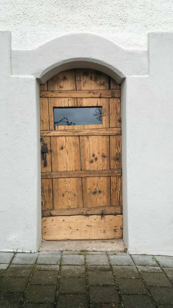 Wooddesign_Holzdesign_Altholz_restaurieren_Altholz gebürstet_Türen (3)