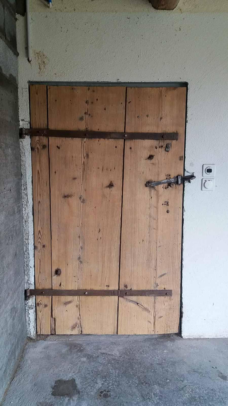 Wooddesign_Holzdesign_Altholz_restaurieren_Altholz gebürstet_Türen (5)