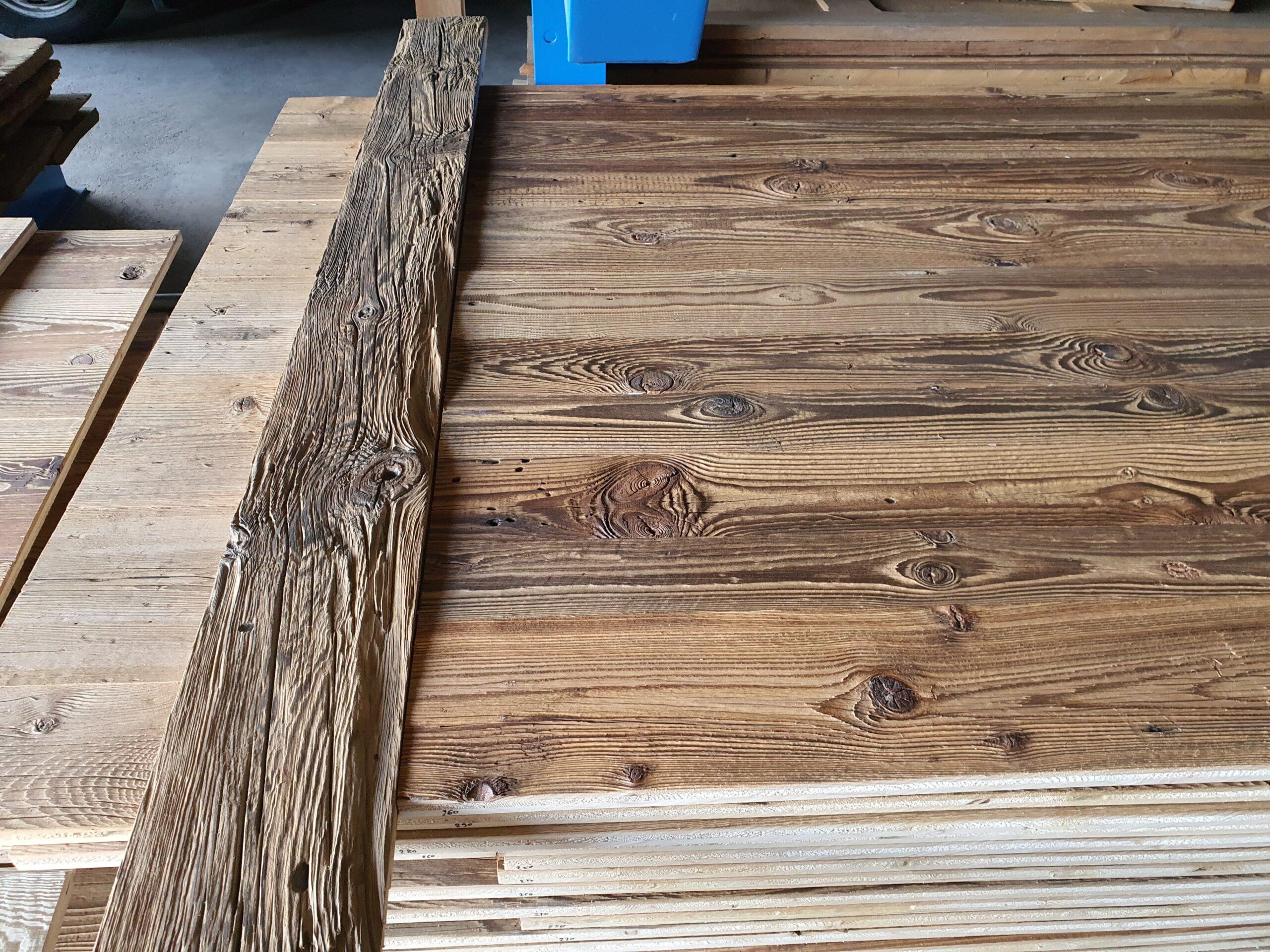 Wooddesign_Holzdesign_Altholzplatten_ Altholz_Eiche Altholz_Altholztäfer_alte Beschläge_Altholzkleidungen(1)