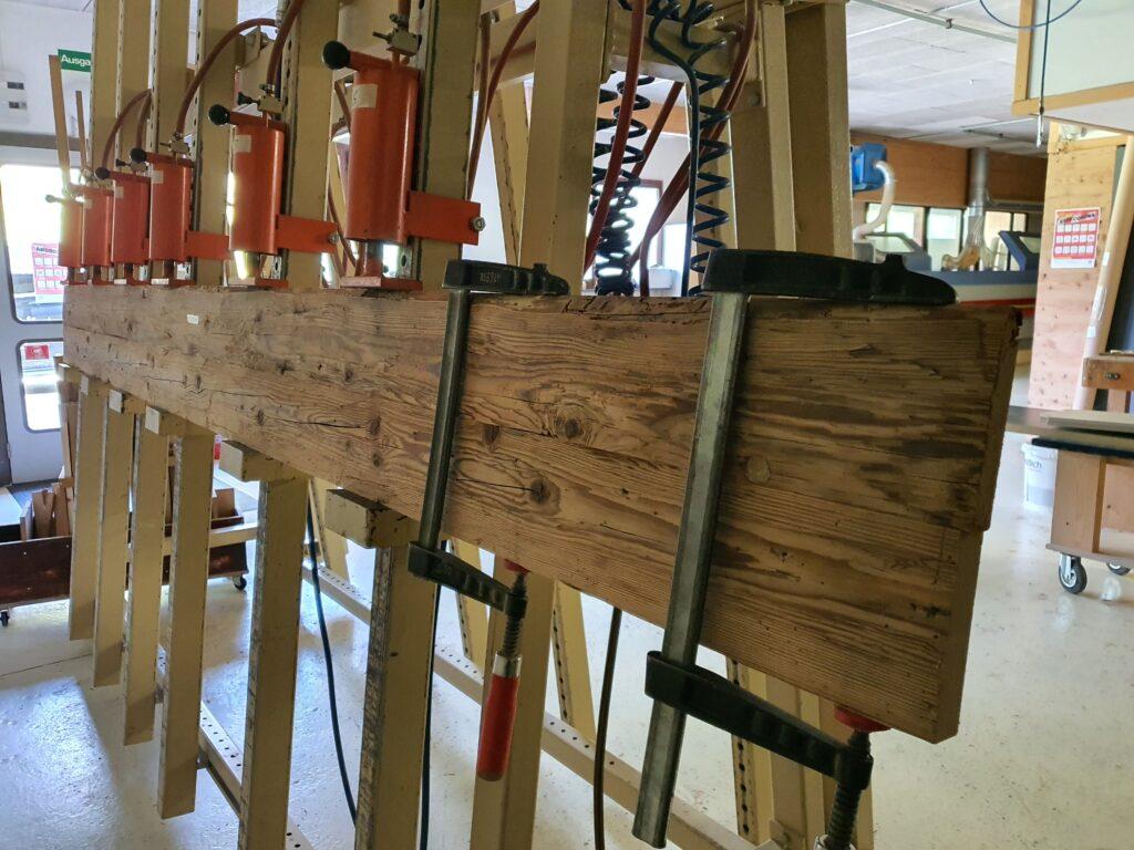 Wooddesign_Holzdesign_Altholzplatten_ Altholz_Eiche Altholz_Altholztäfer_alte Beschläge_Altholzkleidungen(4)