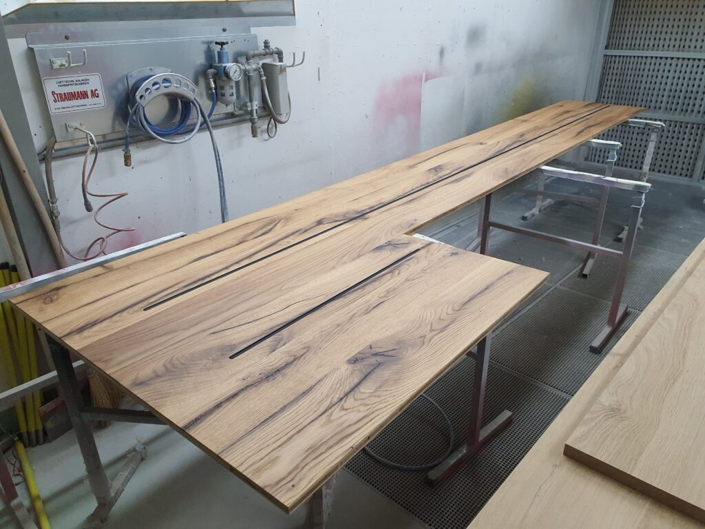 Wooddesign_Holzdesign_Altholzplatten_ Altholz_Eiche Altholz_Altholztäfer_alte Beschläge_Altholzkleidungen(6)