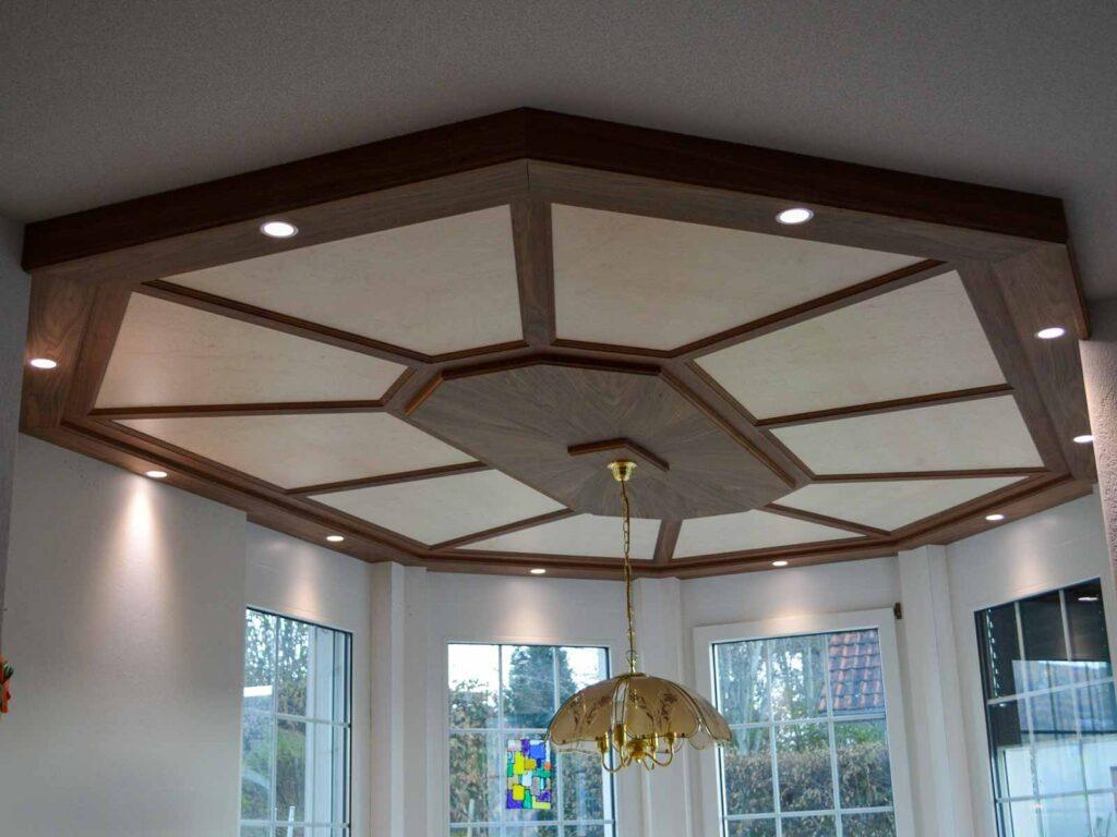 Wooddesign_Holzdesign_Decke_Massivholdecke_Holzfüllungen-LED-Beleuchtung (1)