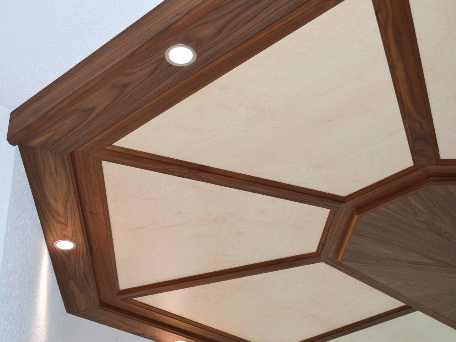 Wooddesign_Holzdesign_Decke_Massivholdecke_Holzfüllungen-LED-Beleuchtung (4)