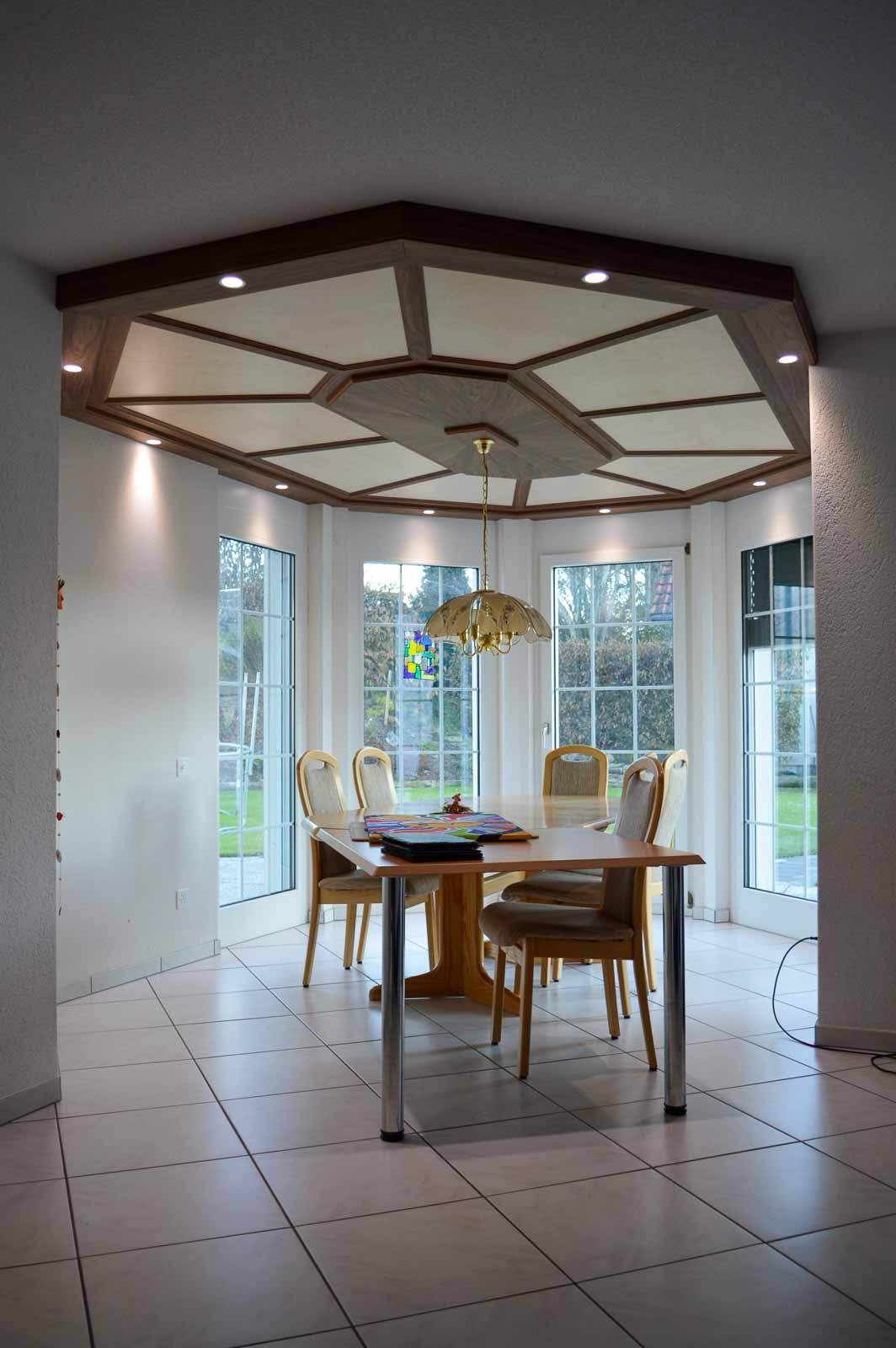 Wooddesign_Holzdesign_Decke_Massivholdecke_Holzfüllungen-LED-Beleuchtung (6)
