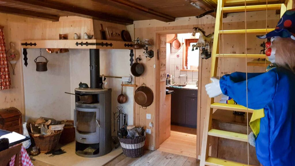 Wooddesign_Holzdesign_Innenausbau Ferienhaus_Altholz_Ferienwohnung_Ferienchalet_Schwarzsee_ Umbau (4)