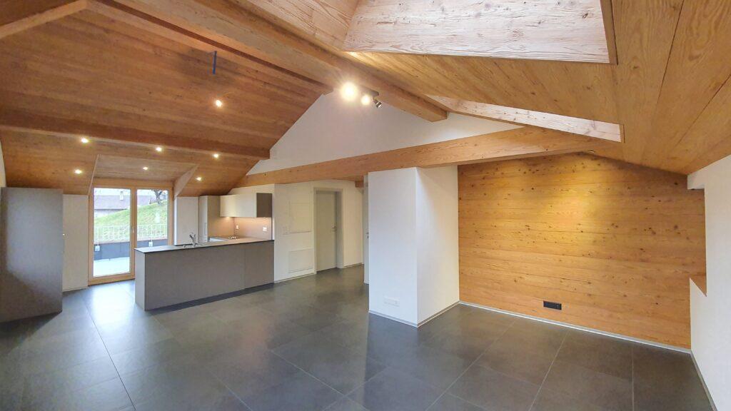 Wooddesign_Holzdesign_Innenausbau_ Umbau_Altholz_rustikal_modern Holzdecke_Balkenverkleidung_Wandverkleidung_Wohnungumbau_Ausbau Wohnung (3)-min